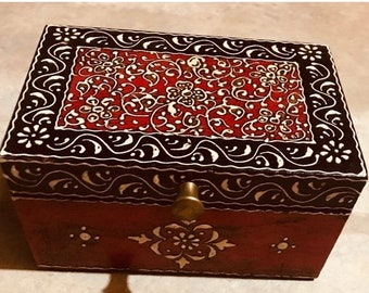 ON SALE Small Red Black keepsake box from India, handmade wood treasure chest and trinket box, women's and men's organizer, jewelry box, mem