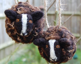 Zwartbles Sheep Baubles Set - Farm Animal Ornaments - Rustic Decor Farmer Gift - Needle Felted Easter Decor  Farmhouse Decor Country Cottage