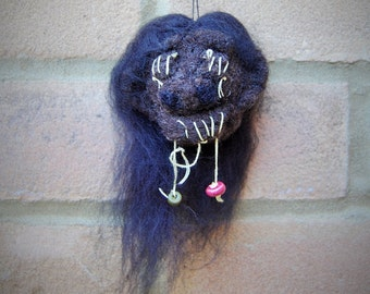Shrunken Head Halloween Decoration - Gothic Art Doll Hanging Decoration Warrior Cosplay/Costume Accessory - Creepy Decor Doll Head