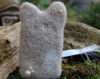 Pearl - White Cat Doll - Needle Felted Art Doll - Wedding Gift - Cat Lady - Lucky Charm Lucky Cat Gift - Worry Doll