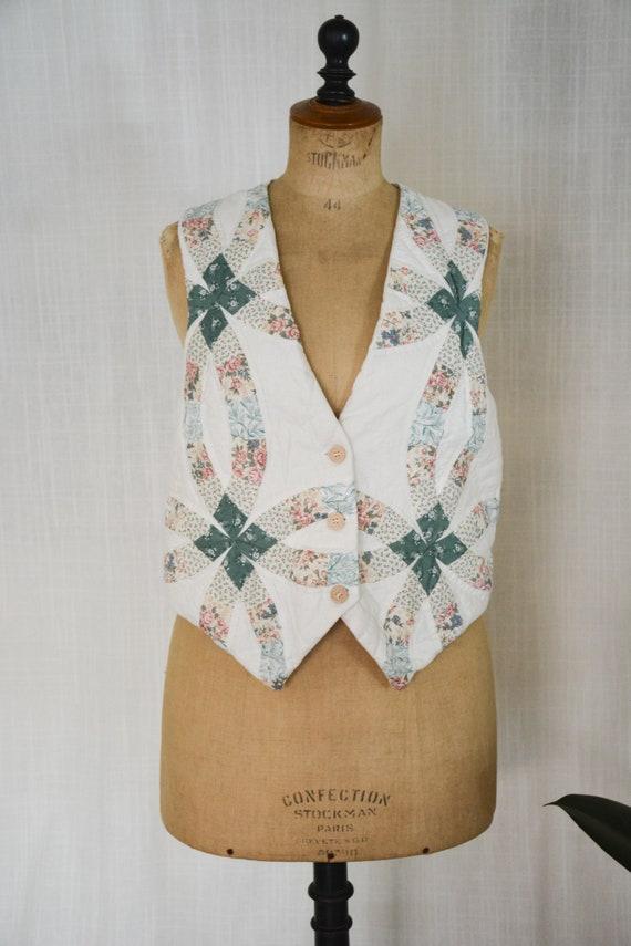 Vintage Quilted Vest//Cottagecore Quilted Vest - image 1