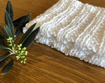 Hand knitted, beautifully soft, face cloth in white. 100% Australian Cotton. Zero waste.