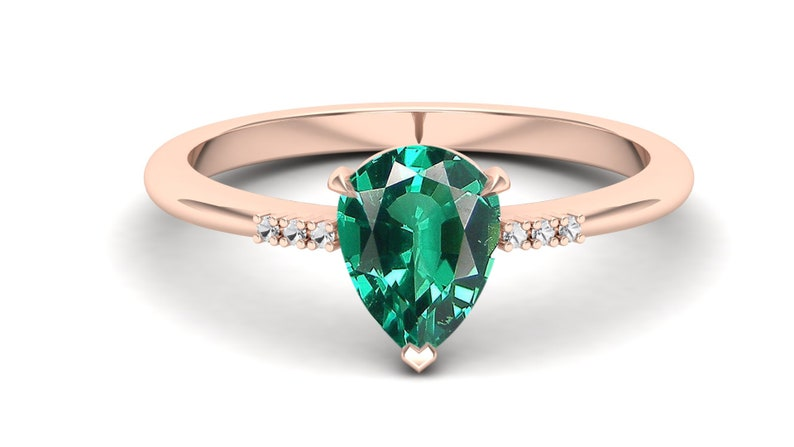 Wedding Ring For Bride Antique Pear Shape Green Stone Ring Gift For Love Pear 8x6 Emerald Engagement Bridal Ring Bridal Moissanite Ring