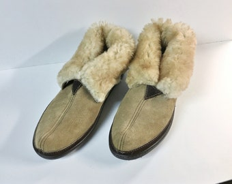 57a188103b63 Vintage Minnetonka Shearling Ankle Boots Slippers - NWOT - Unisex Size 10