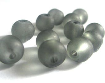 30 frosted grey glass beads 6mm (D-28)