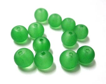 20 frosted green glass beads 6mm (J-21)