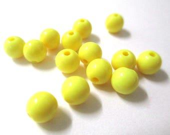 10 yellow 6mm acrylic beads