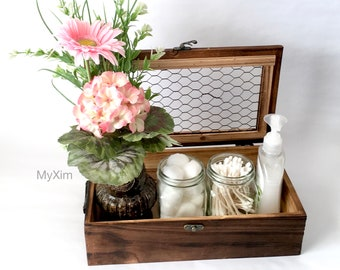 Wooden Box with Chicken Wire Lid,Living space accent,Farmers Market Box,Farmhouse Accent,Wedding Card holder,Rustic Wood Box,Desk organizer