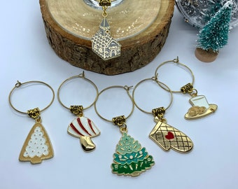 Christmas Gingerbread Wine Charms, Xmas Decor for Luxury Table, Host Gift for Wine Lovers, Set of 6 Festive Charms, Friend Secret Santa Gift