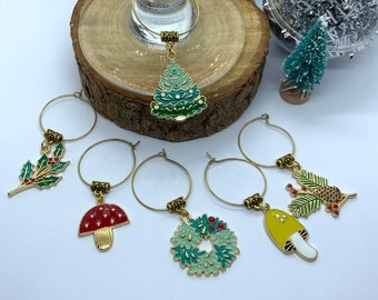 Christmas Themed Wineglass Charms, Luxury Table Decor for Wine Lovers, Christmas Tree and Wreath Charms, Wine Charm set for 6, Xmas charms