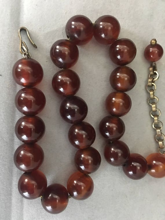 40s Bakelite Bead Choker Necklace Resin Jewelry R… - image 3