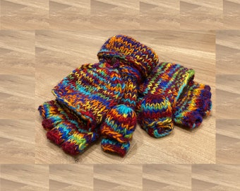 Chunky handknit gloves in mottled rainbow with fleece lining, finger flap AND thumb flap.