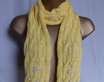 Embellished Cable Scarf E557
