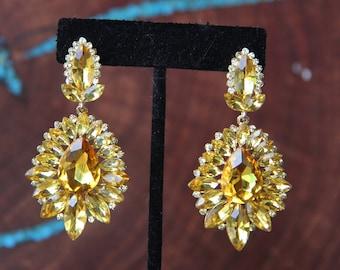 yellow rhinestone earrings, yellow crystal earrings, yellow prom earrings, yellow pageant earrings, rhinestone chandelier earrings