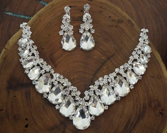 rhinestone necklace and earrings set, Clear crystal necklace and earrings, bridal necklace and earrings, pageant statement necklace, prom