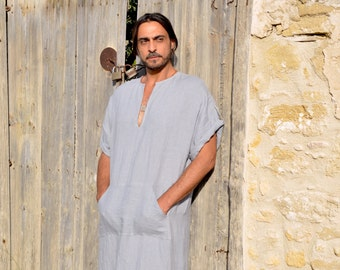 CLASSICO. Cloudy grey mens long tunic. Prewashed super soft linen caftan. Short sleeved with pocket.