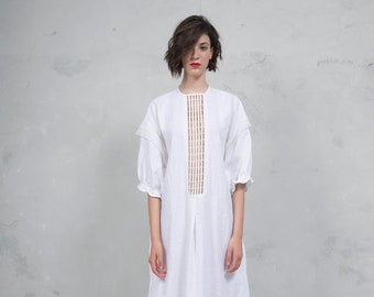 RHEA white pure linen caftan. Side pockets. Oversized loose fit. ONE SIZE. Cotton lace embelishment. *Lux collection*