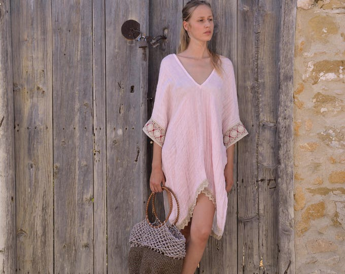 JULIE short poncho. PINK women's tunic. Pure linen swimsuit cover-up. Ultra soft fabric. Cotton lace.