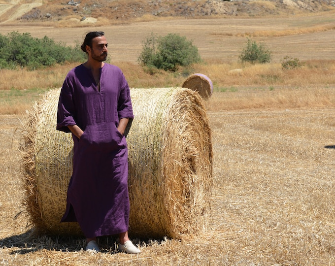 CLASSICO. Aubergine mens simple pure linen caftan. Softened fabric. Front pocket Tunic.