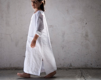 CLASSICO. Boys and girls pure linen kaftans. Optic white color.