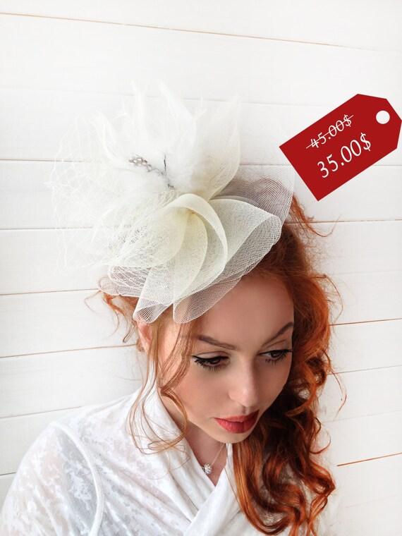 SALE25 % Ivoire - Couture britannique chapeau bibi bandeau avec plumes - Tea Party Hat - Kentucky Derby chapeau - bibi bibi