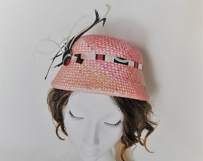 Free DHL upgrade! Unique Pink Little Straw Hat Geometric Band Feathers One Of A Kind Millinery Church Hat Summer Wedding Cocktail Hat JCN
