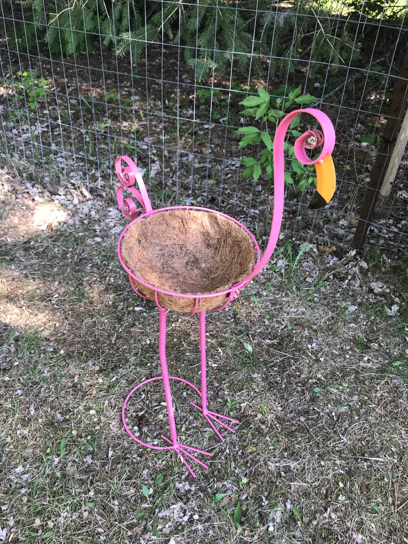 Ornate Pink Flamingo Tall Metal Bird Planting Pot Bird Metal Art Garden Yard Art Indoor Outdoor Plant Stand Large Bird Statues Planter