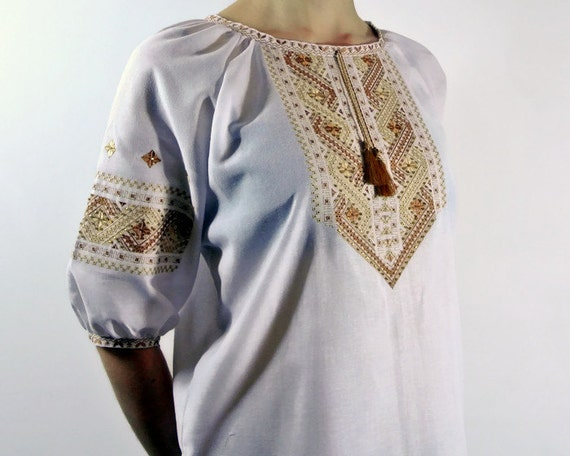 Modern Ukrainian vyshyvanka Off shoulder top with peasant sleeves White and blue embroidered blouse