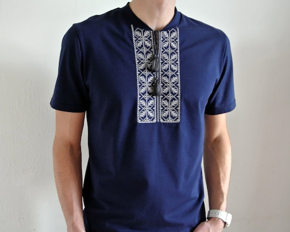 Mens Vyshyvanka shirt Ukrainian gift Ukrainian embroidery Embroidered tshirt Short sleeve t-shirt Ethnic clothing pukEC881LW