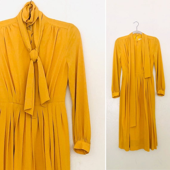 70s Secretary Pleated Scarf Dress•sMall•