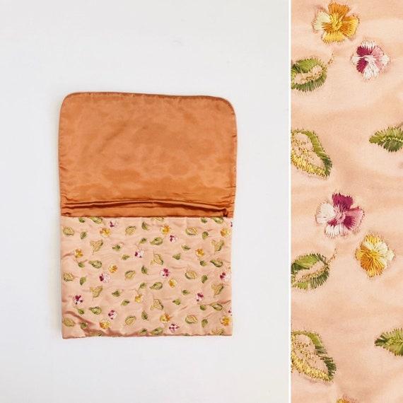 60s Silk Pouch - iPad size