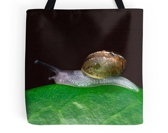 Cute bag, cute tote, green bag, green tote, snail bag, snail tote, animal lover gift, library bag, shopping bag, grocery tote, market tote