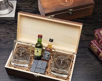 Medical Arts Custom Whiskey Box Set - Gift for Doctors, Whiskey Lover Gift, Engraved Rocks Glass, Etched Whiskey Glass, Whiskey Sipping Set