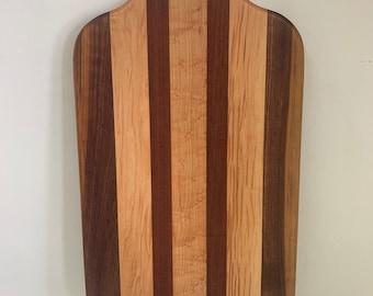 Hardwood Straight Grain Cutting Board with Hole