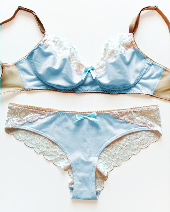 White Caged Sides Date Night Lingerie Thong Lace Trim Ribbons /& Flower