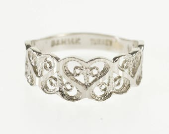 14k Textured Scroll Heart Patterned Wedding Band Ring Gold