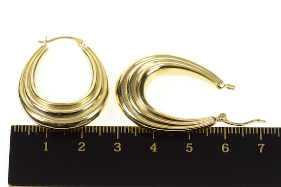 14K Grooved Scalloped Oval Statement Hoop Earring… - image 4