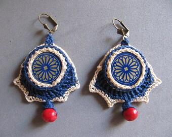 Crochet earrings with bottle caps