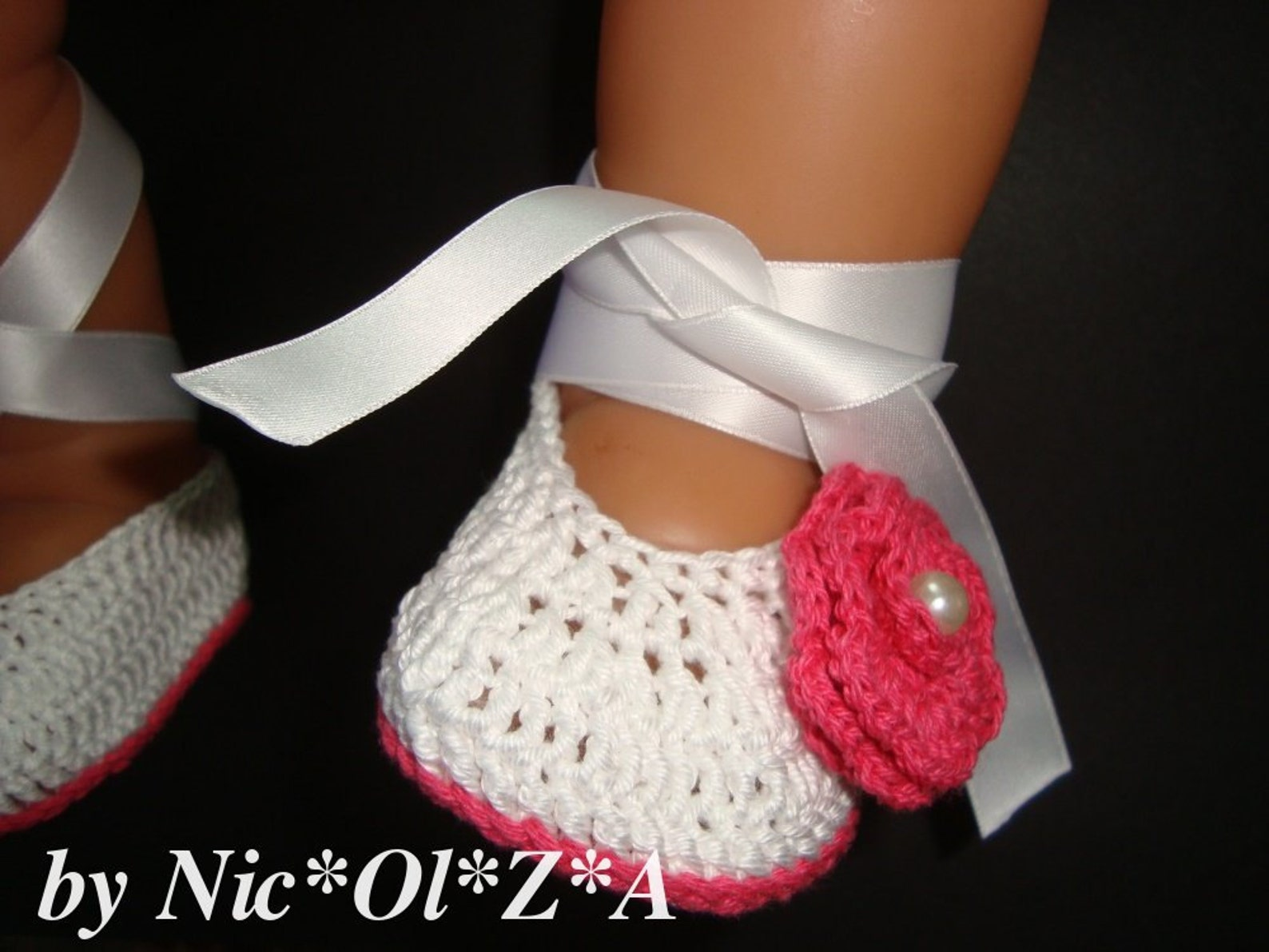baby girl handmade crochet white with flower & ribbon ballet shoes booties slipper 0 -3 months
