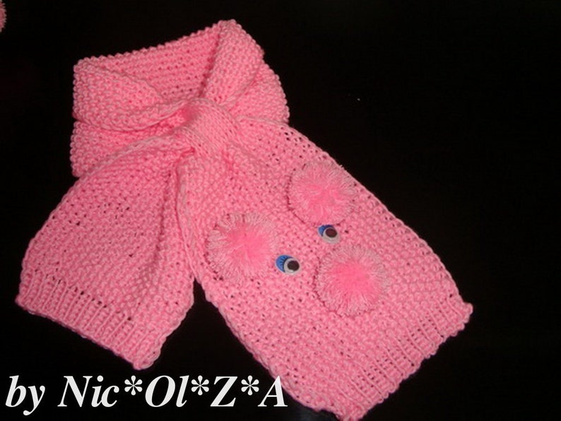 Spring Autum Baby Doggs HAT Winter SCARF /& BOOTIES Handmade Knitted Pink