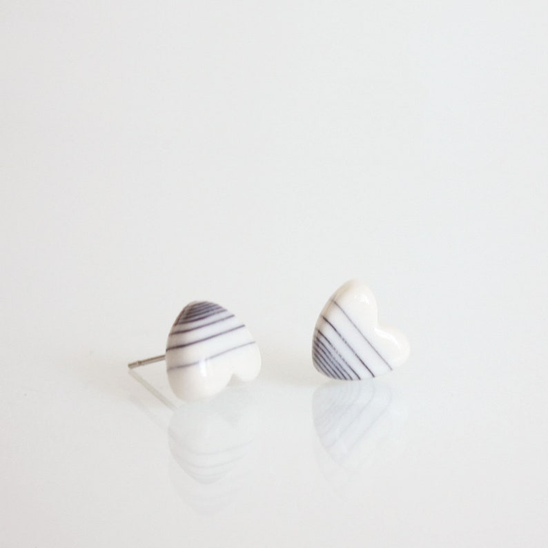 Horizontal line porcelain stud earring in heart shape gift for sister girlfriend ready to ship with tracknumber mothers day gift