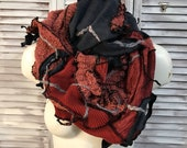 upcycled clothing scarf - blue grey scarf, old pink and red tubular scarf changeable in shawl - body parrure -
