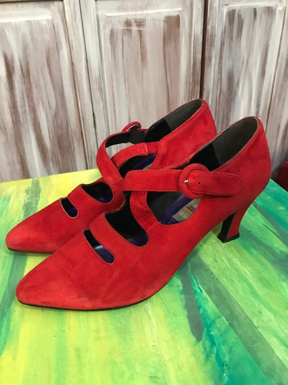 Red vintage shoes - red women's 90s suede shoes -