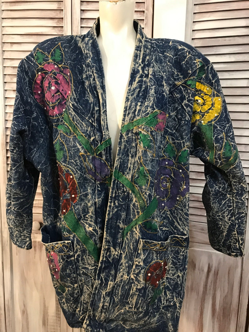jeans coat vintage women/'s jeans coat acid wash jeans with painted flower and studs 80 year old women/'s jeans jacket medi size
