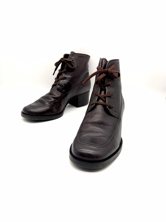 Brown leather lace up ankle granny boots 7.5M
