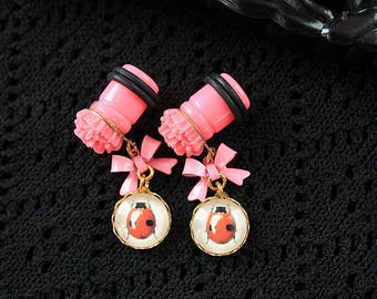 Pretty ladybug and flower plugs  gauges 10mm 00G stretched ears dangles