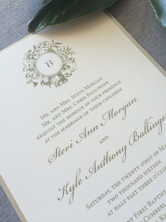 Victorian Wreath wedding invitation in gold