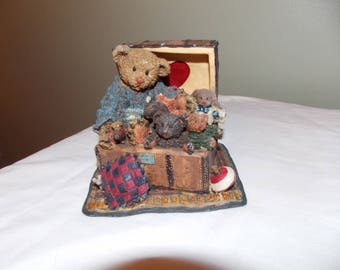 Cottage Collectibles by GANZ Marigold and Friends Grandma's Treasures bears figure numbered