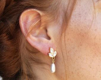 Pearl Crystal Bridal Earrings, Gold Bridal Earrings, Drop Pearl Earrings, Wedding Bridal Jewelry, Bridesmaid Earrings, Wedding Earring