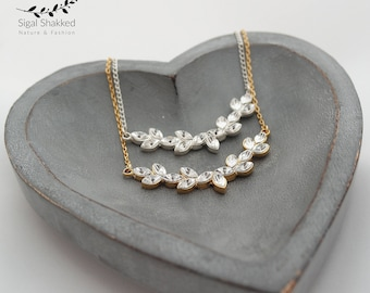 Gold and Crystals Bridal Necklace, Bridal Jewelry, Delicate Bridal necklace, Bridesmaid Gift, Wedding Jewelry, Bridesmaid Necklace